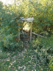 036 arboretum neighbor gate_b